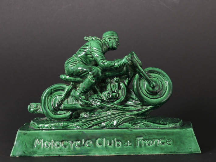 For sale: TROPHEE MOTOCYCLE CLUB  DE FRANCE M.C.F CERAMIQUE EMAILLEE