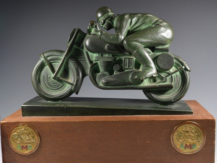 For sale: MOTORCYCLE BRONZE STREAMLINE TROPHÉE DE COURSE  CHALLENGE DE LA VILLE DE PARIS