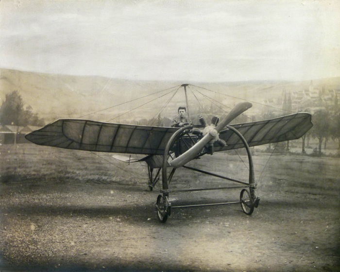 For sale: Photographie de Mecanicien d'avion Bleriot