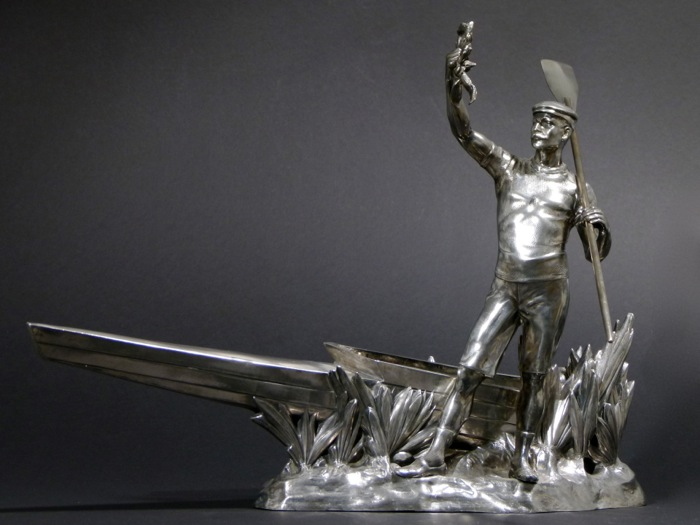 For sale: TROPHEE  PATINE ARGENT RAMEUR AVIRON CANOE  - VIDE POCHE Silver patina