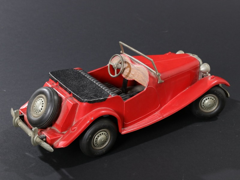 For sale: AUTOMOBILE MORGAN  MG TYPE 4  - JOUET